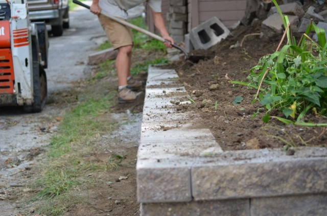 Retaining Wall Block Cleaner : The completed retaining wall our guys make sure job site is clean